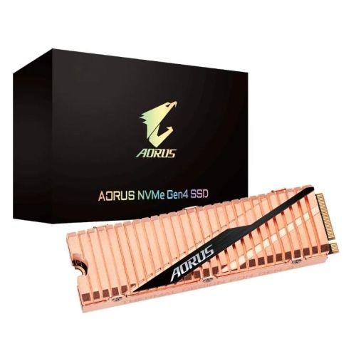 SSD накопитель Gigabyte.