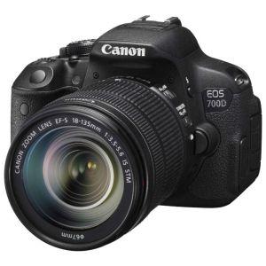 Купить со скидкой Зеркальный фотоаппарат Canon