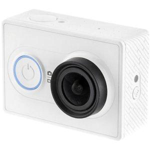 Экшн-камера Xiaomi YI с Bluetooth моноподом белый видеокамера экшн yi 4k комплект с аквабоксом черный